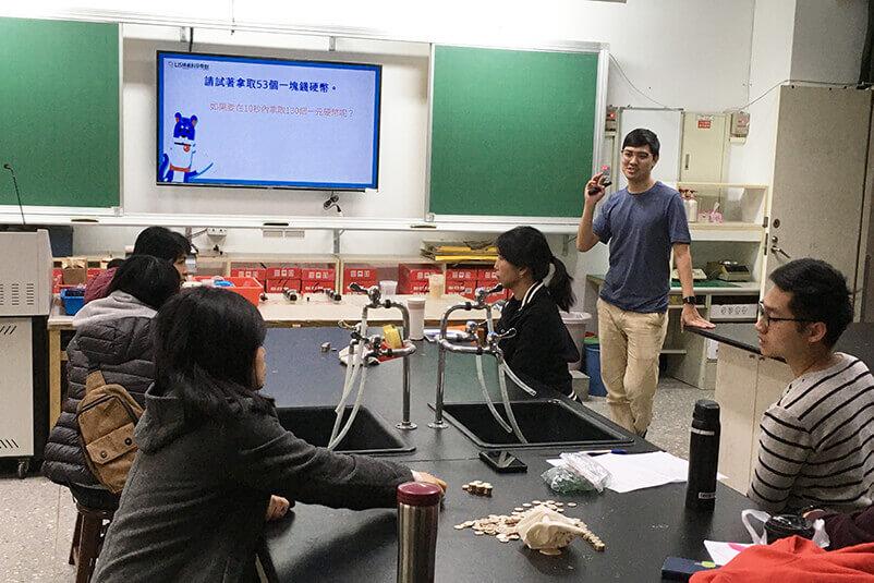 美光科技贊助LIS,辦理超過20場教師共備活動,與現場教師一同設計出適合孩子的課程